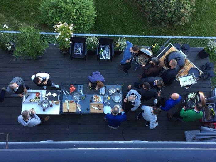 Koch-Event auf der Terrasse