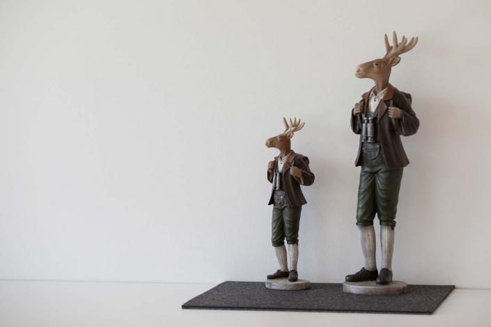 Zwei Hirsch im Seminarhaus im Schwarzwald