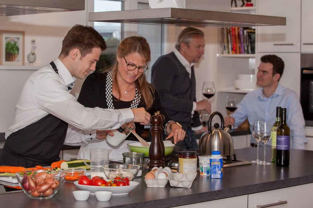 Im Tagungshotel Saiger Lounge können Sie als Gruppe die moderne, großzügige Küche für Ihre Team-Events nutzen.