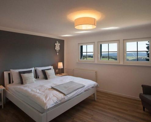 Zimmer mit Blick auf den Hochschwarzwald