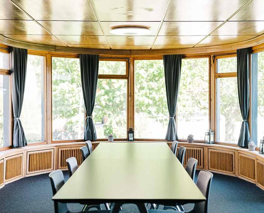 seminarhaus-schwarzwald-meetingraum